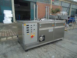 Multiclean 2 (Pesu-Vacuum kuivaus) sekä korin agitointijärjestelmät altaissa